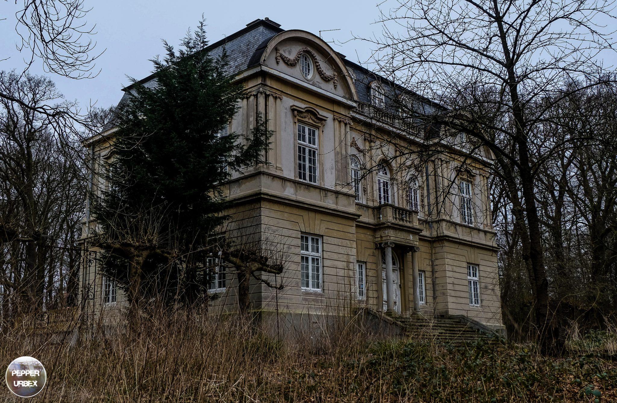 Huize rust en vreugde nl abandoned haunted house for Classic house nl
