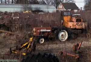 Tractor Cemetry 1 van 1 10